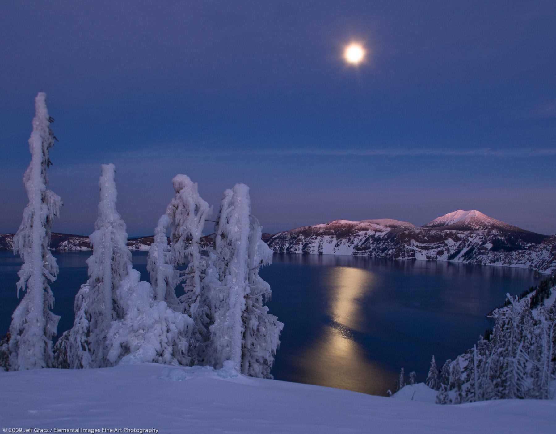 Evening light with full moon on Crater Lake | Crater Lake National Park | OR | USA - © © 2009 Jeff Gracz / Elemental Images Fine Art Photography - All Rights Reserved Worldwide
