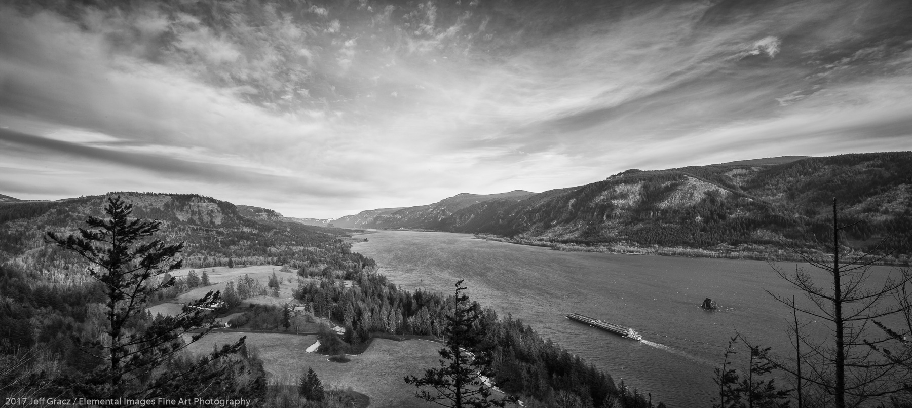 The Columbia River Gorge | Columbia River Gorge National Scenic Area | WA | USA - © 2017 Jeff Gracz / Elemental Images Fine Art Photography - All Rights Reserved Worldwide
